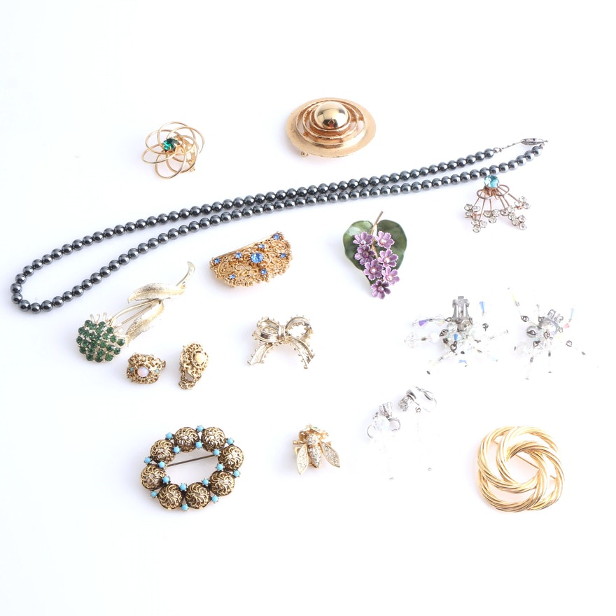 41454f18c74 Assortment of Costume Jewelry Including a Coro and Sterling Silver Brooch  ...