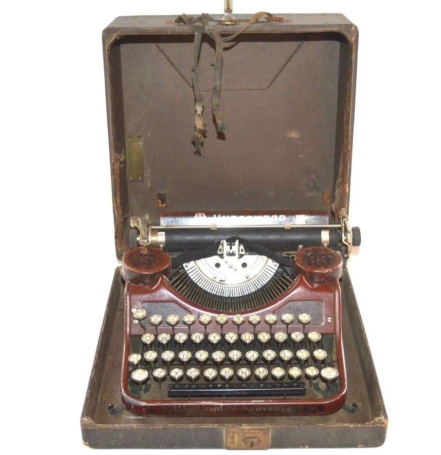 Vintage Underwood Portable Typewriter, Circa 1931