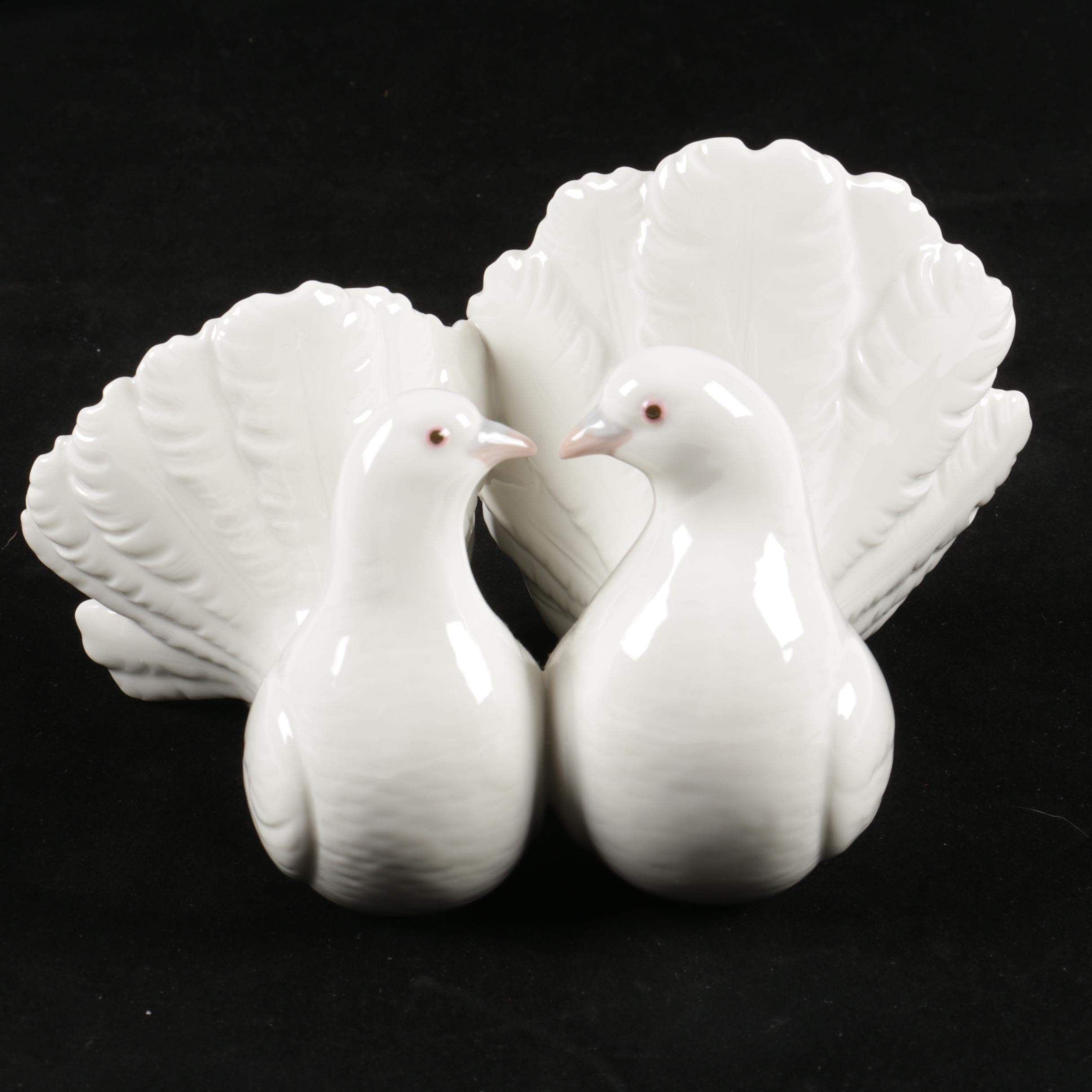 "Lladró ""Couple of Doves"" Figurine"