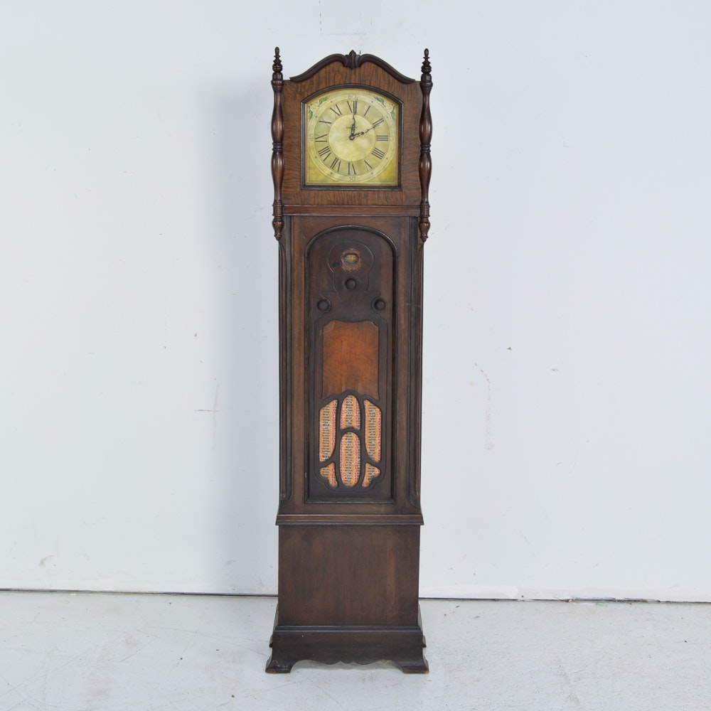 Vintage Crosley Oak Grandmother Clock Tube Radio