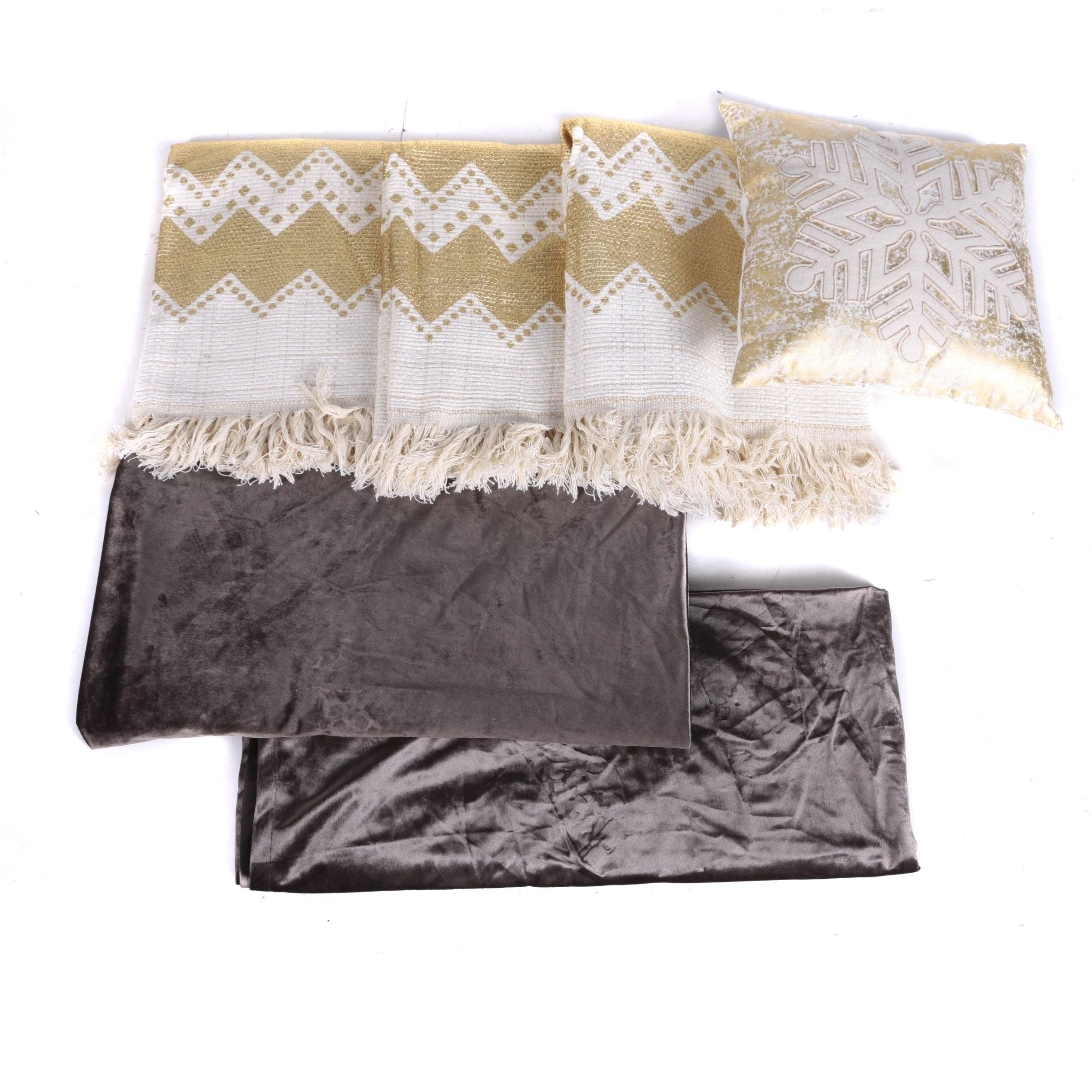 Snowflake Pillow and Other Linens