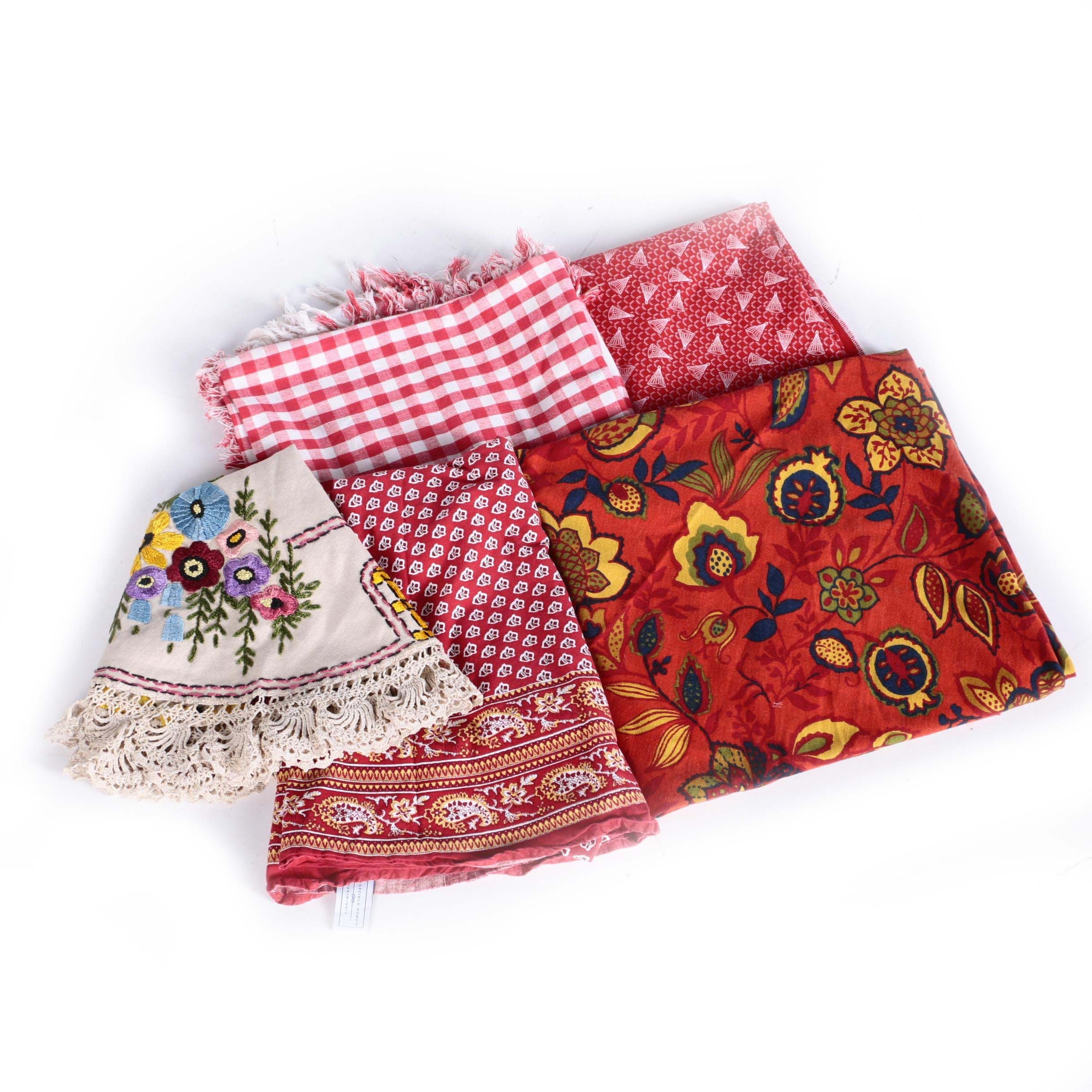 Patterned Table Linens