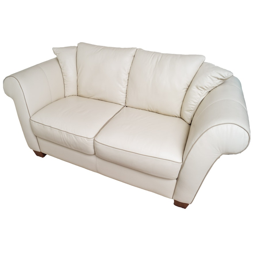 White Leather Loveseat By Italsofa Ebth