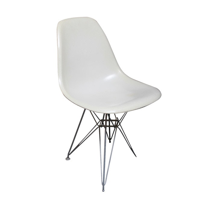 Vintage Mid Century Modern Fiberglass Side Chair by Charles & Ray Eames