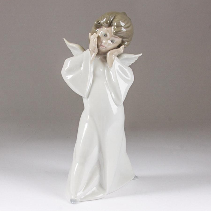 """Lladró """"Mime Angel"""" Figurine"""