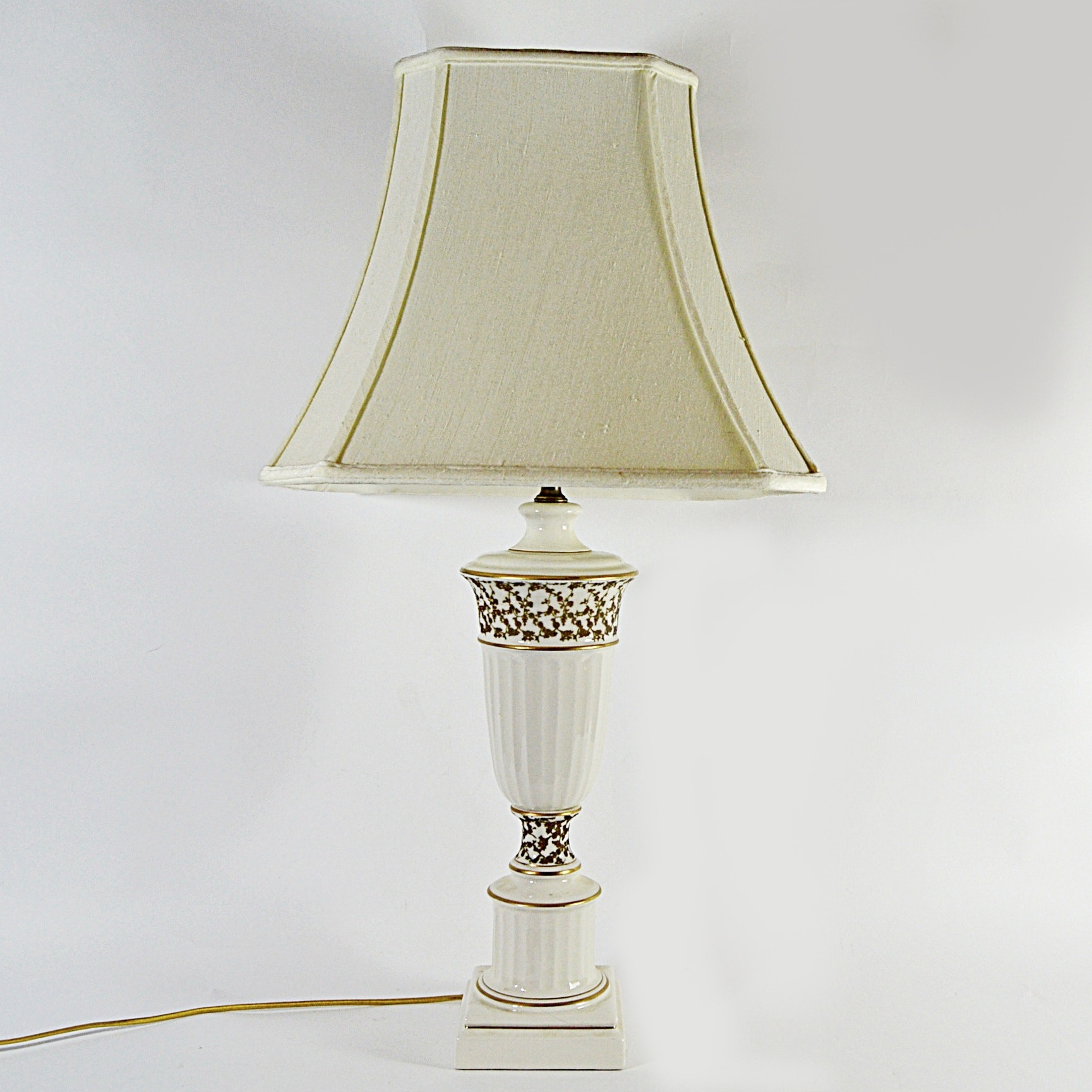 Classical White Porcelain Table Lamp