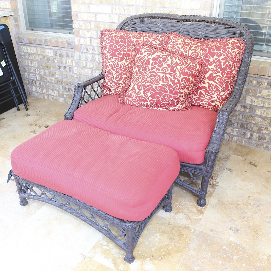 Oversized Wicker Chair With Ottoman