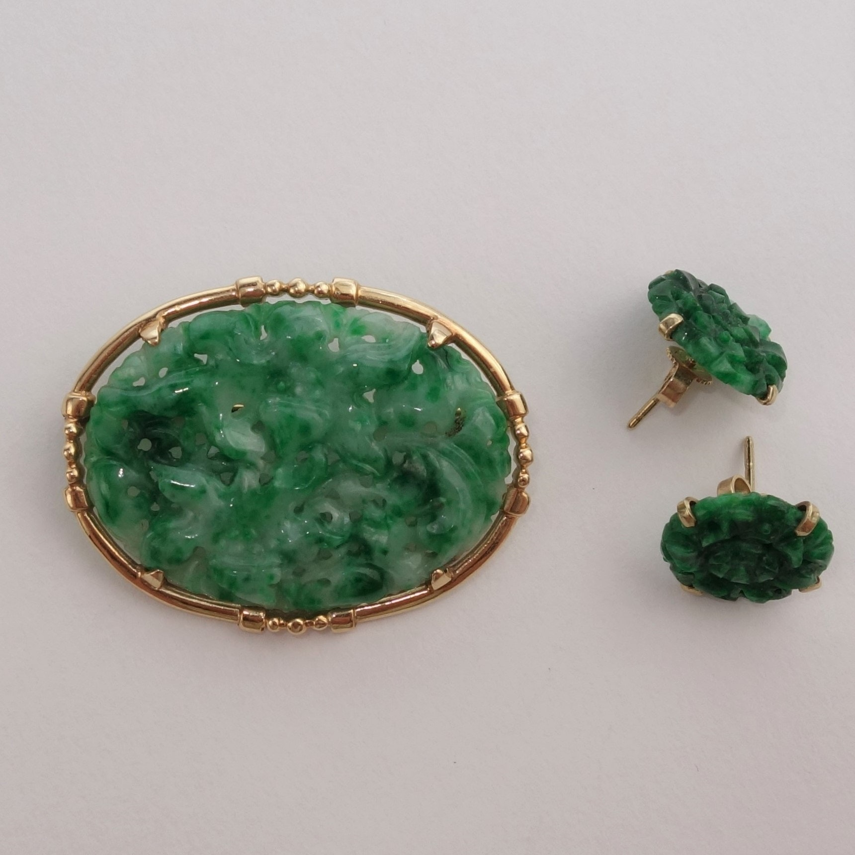 14K Yellow Gold Jadeite Brooch and Earrings