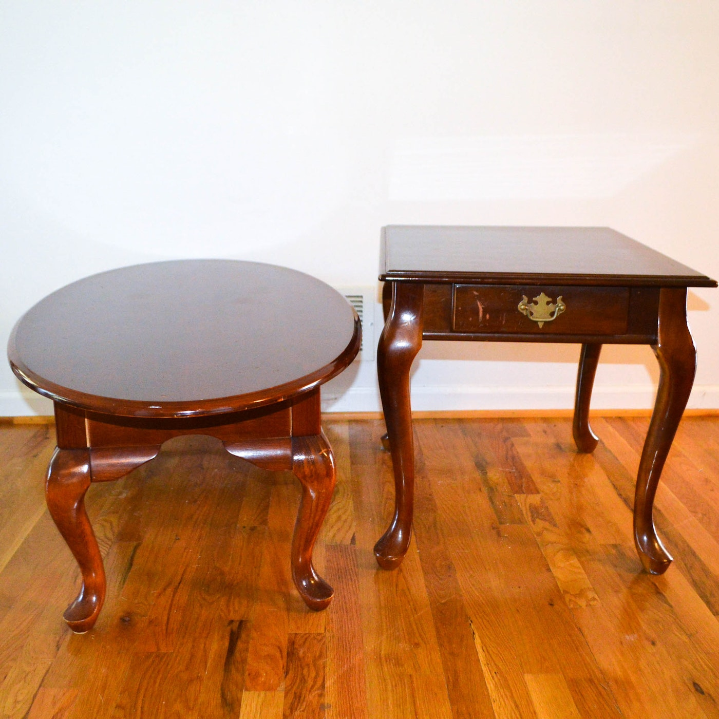 Vintage Queen Anne Style Coffee Table And Side Table Ebth