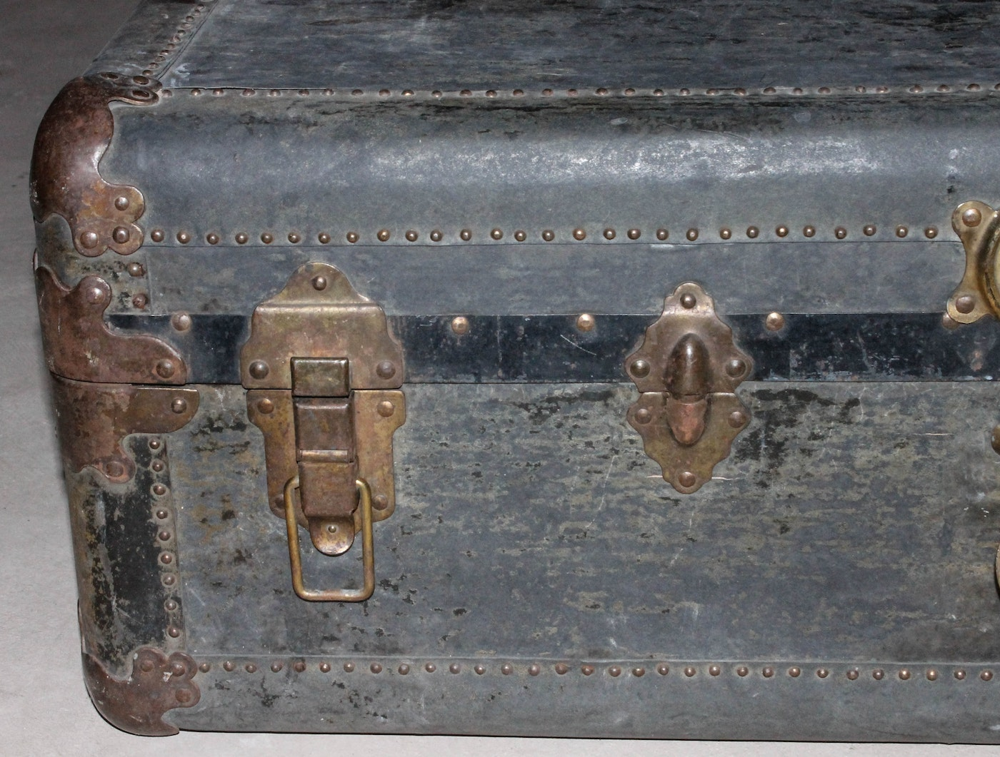 Vintage steamer trunk by the d e rose trunk co ebth for Ace motors topeka ks