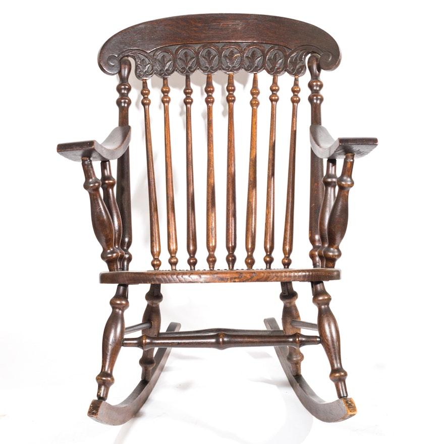 Vintage Spindle Back Rocking Chair ... - Vintage Spindle Back Rocking Chair : EBTH