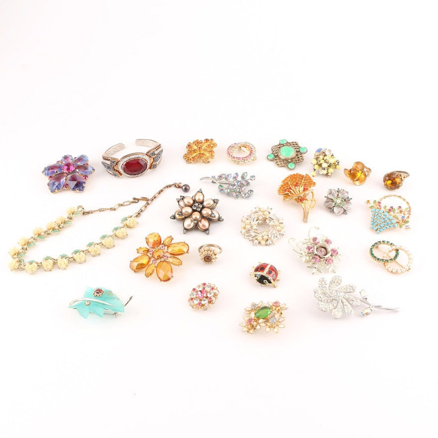 9c107fb9317 Assortment of Costume Jewelry Including a Weiss Brooch : EBTH