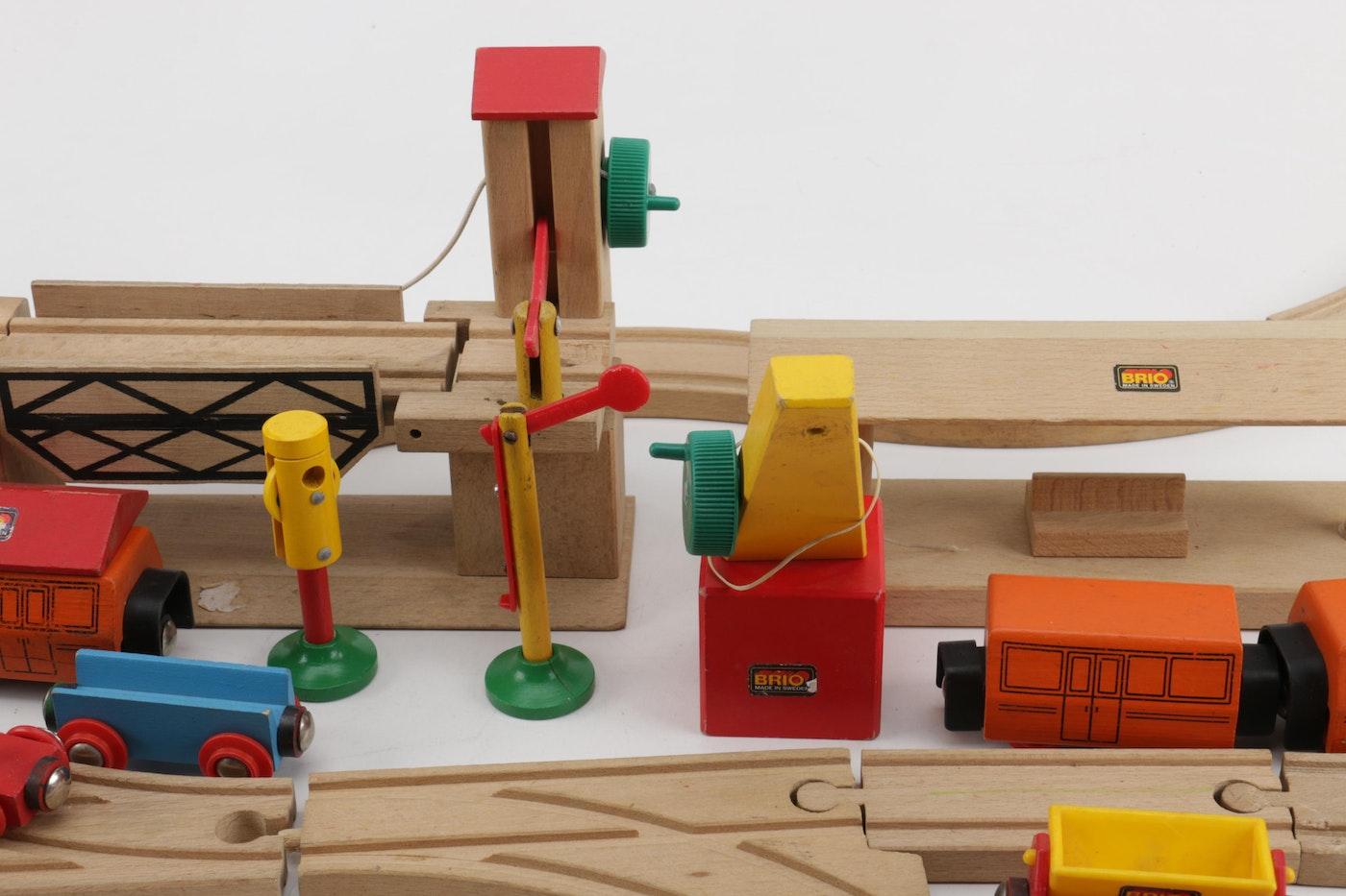 brio wooden train set ebth. Black Bedroom Furniture Sets. Home Design Ideas