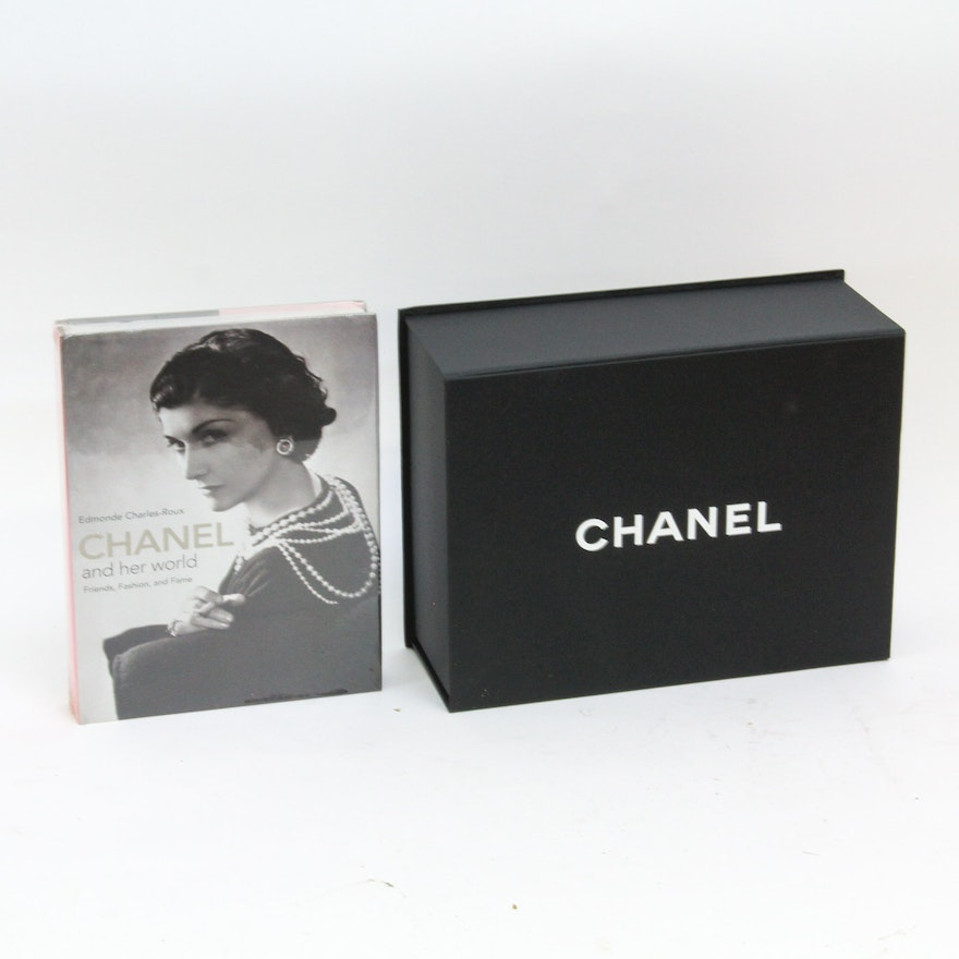 bb794a0befa35a Coco Chanel Photo Biography and Chanel Handbag Box | EBTH