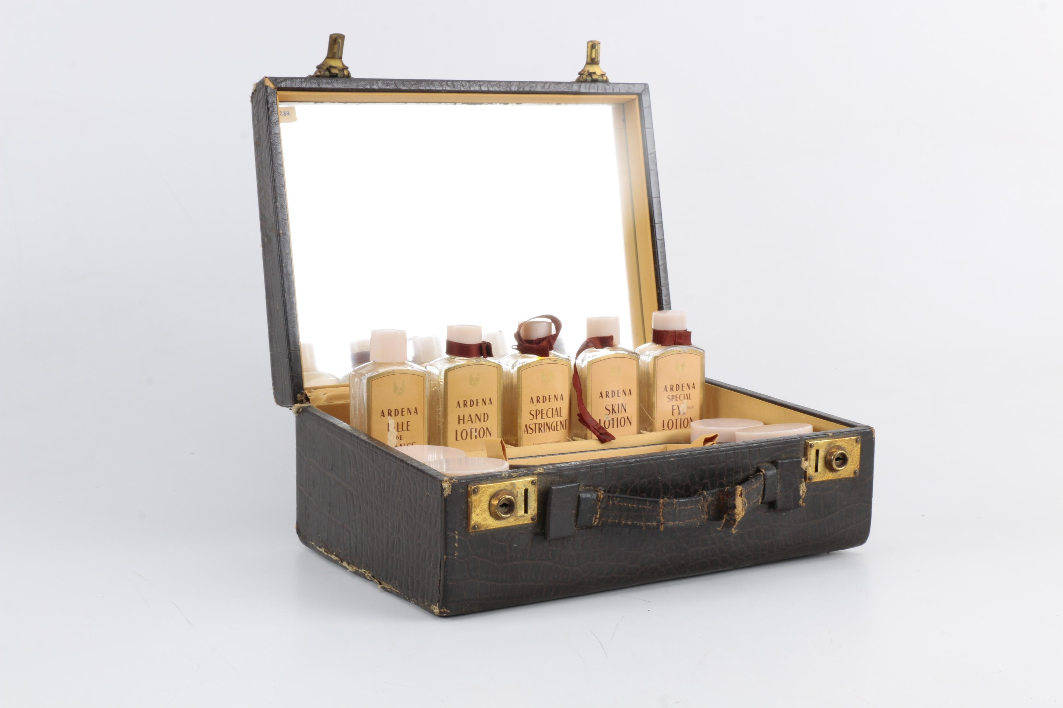 1930s-1940s Elizabeth Arden Beauty Box