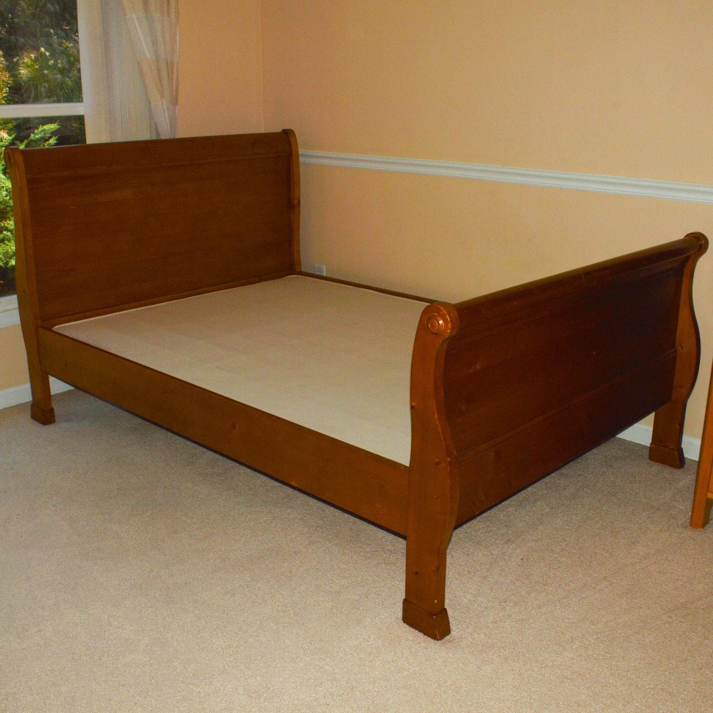 pottery barn kids full size sleigh bed ebth. Black Bedroom Furniture Sets. Home Design Ideas