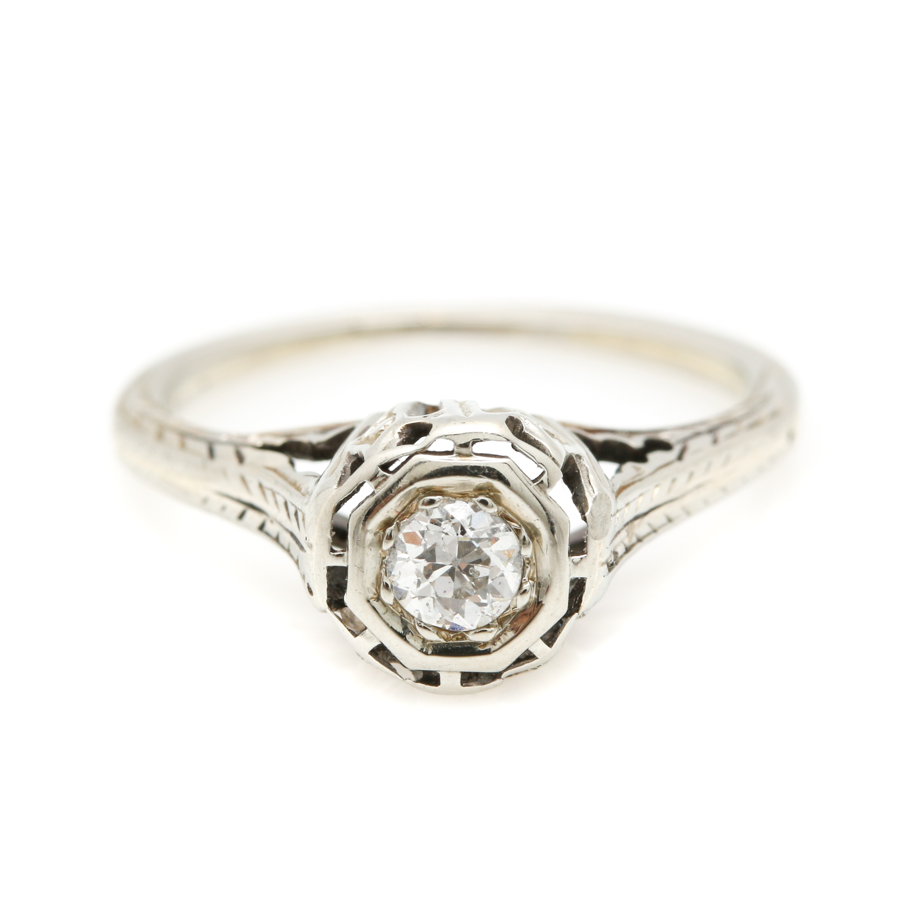 Late Edwardian 18K White Gold Diamond Ring