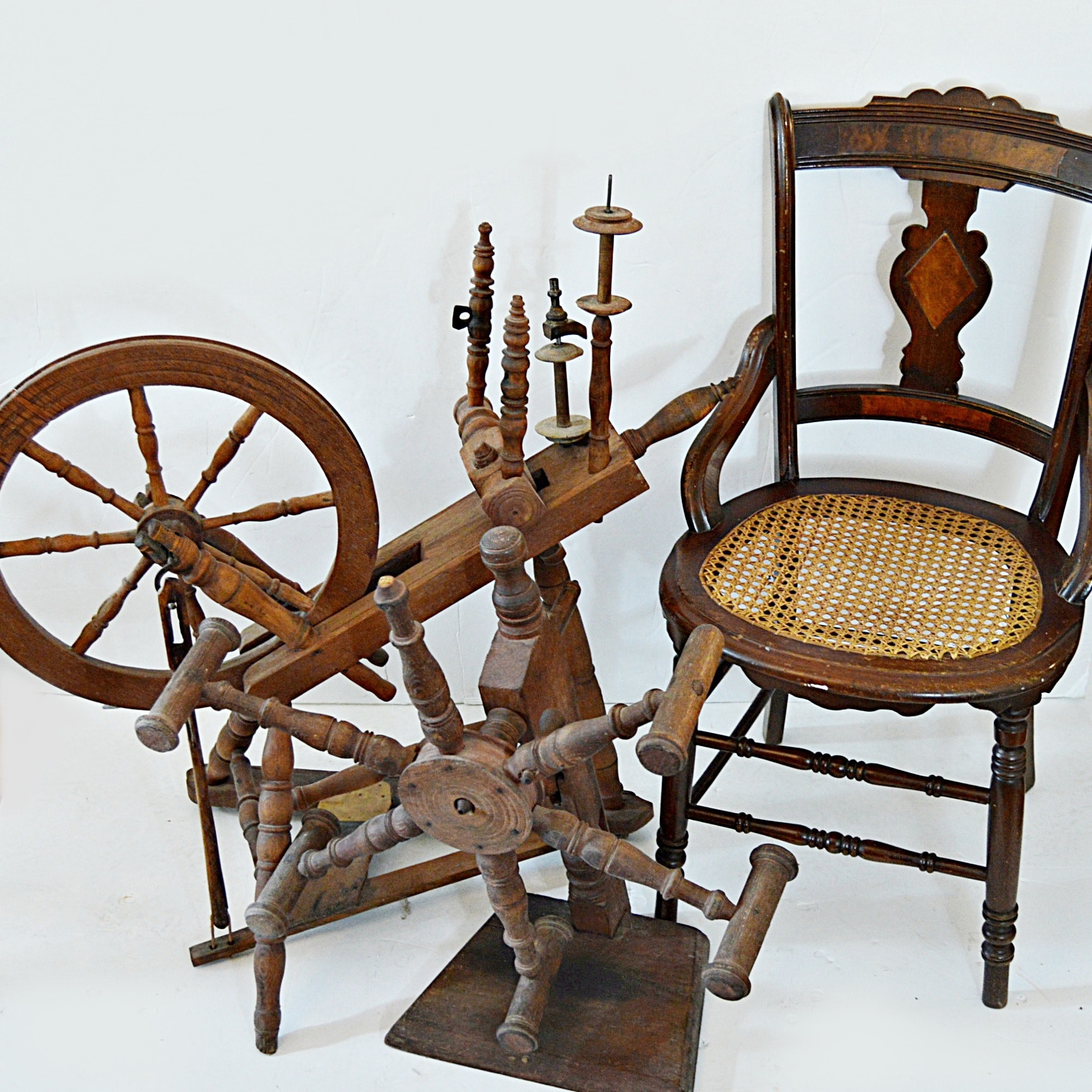 Superieur Antique Spinning Wheel, Yarn Winder And Eastlake Chair ...