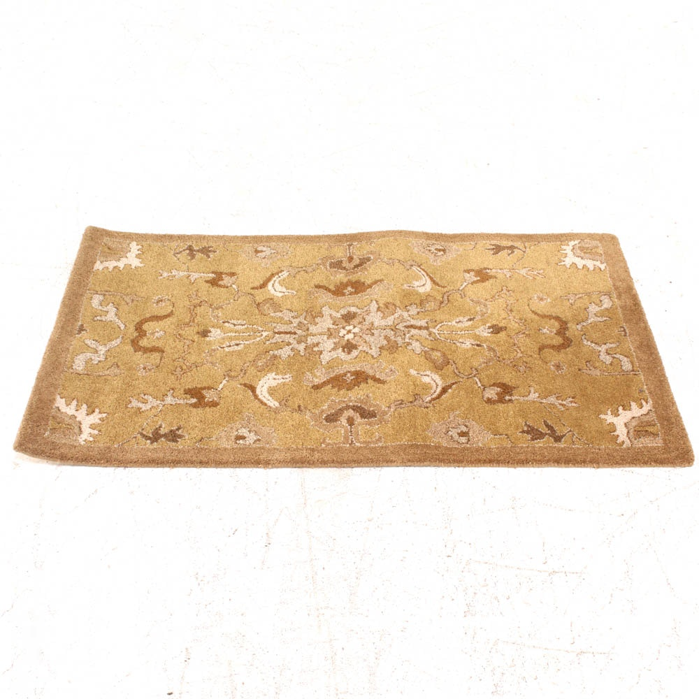 Hand Tufted Turkish Style Wool Accent Rug