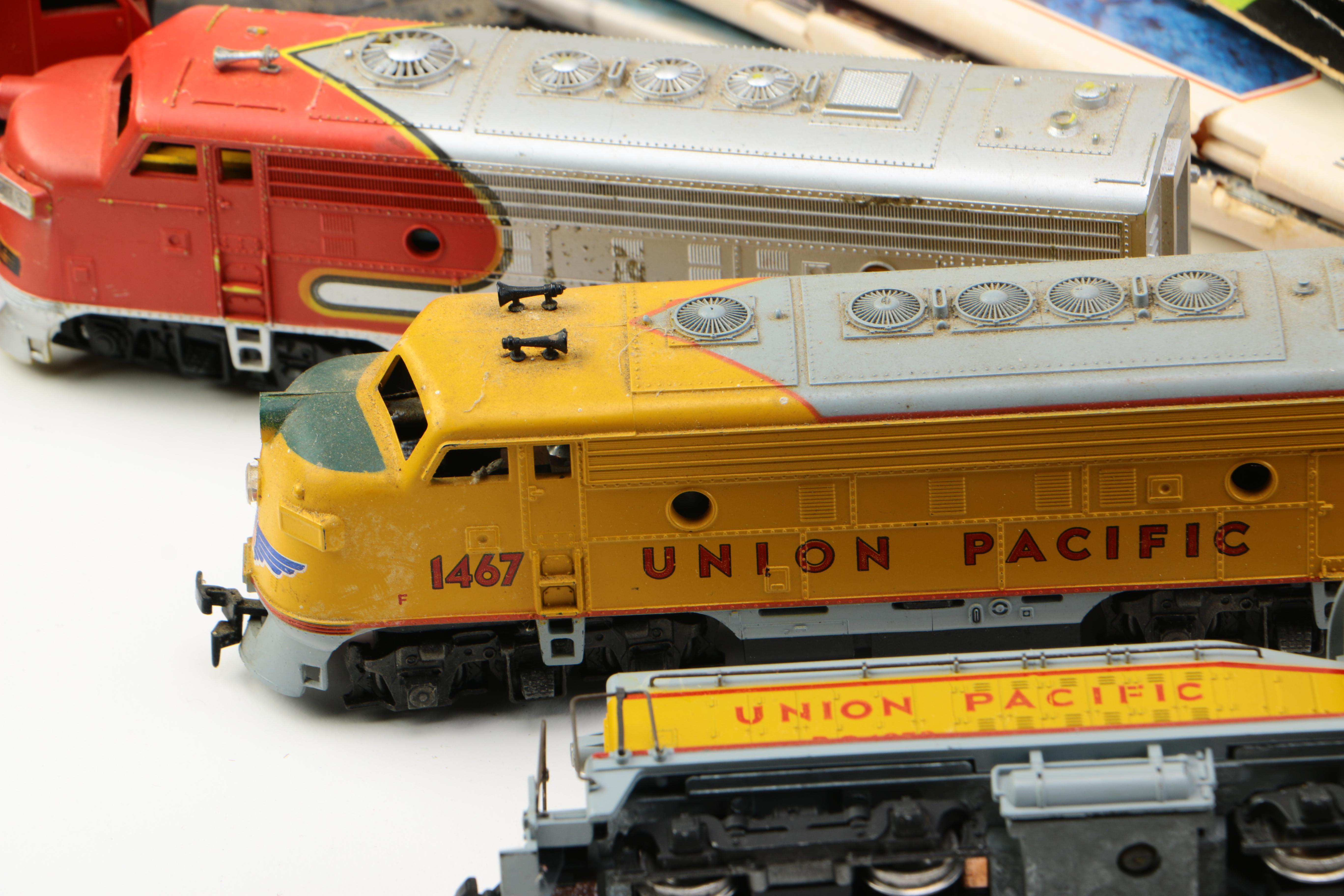 assortment of train cars and accessories ebth Ho Trains Track Layouts HO Train Layout Track Plans for Two