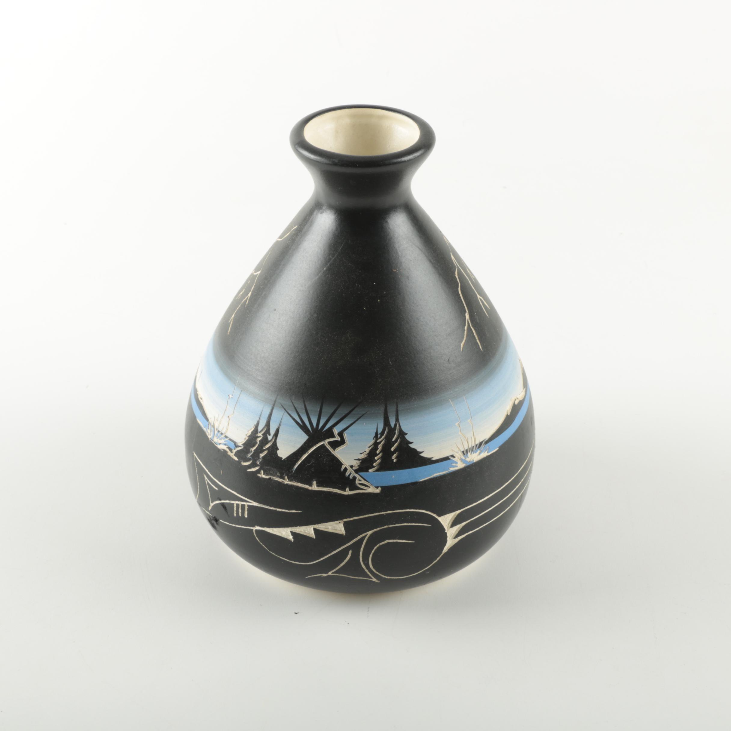 Signed Cedar Mesa Navajo Vase