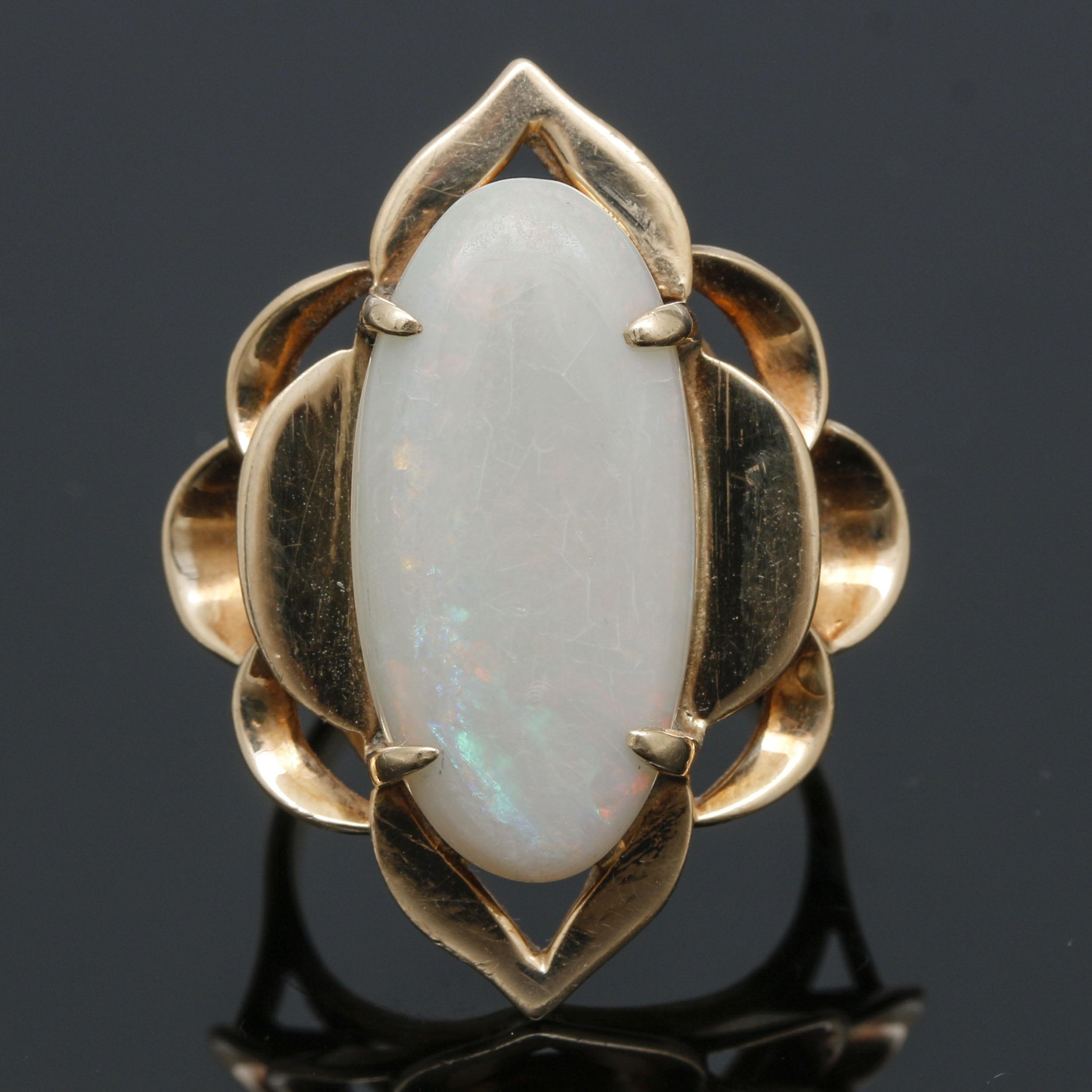 14K Yellow Gold Opal Floral Motif Ring