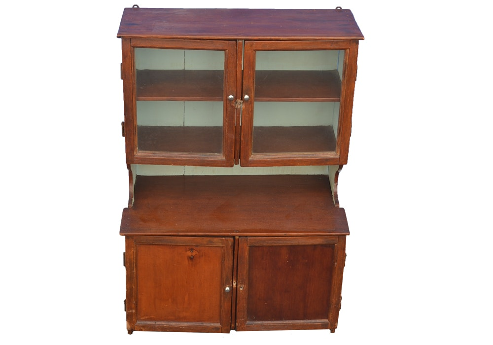 Cabinet with Display Hutch