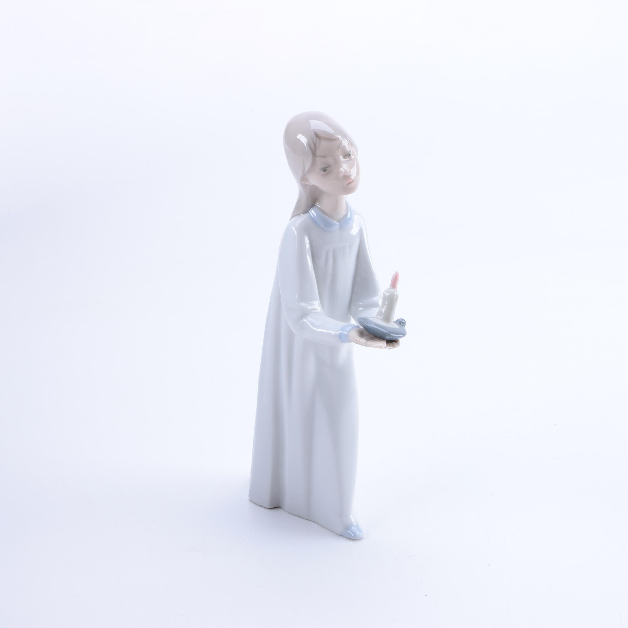 """Lladró """"Girl with Candle"""" Figurine"""