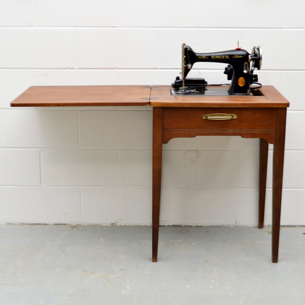 Vintage Singer Model 66-16 Sewing Machine and Table