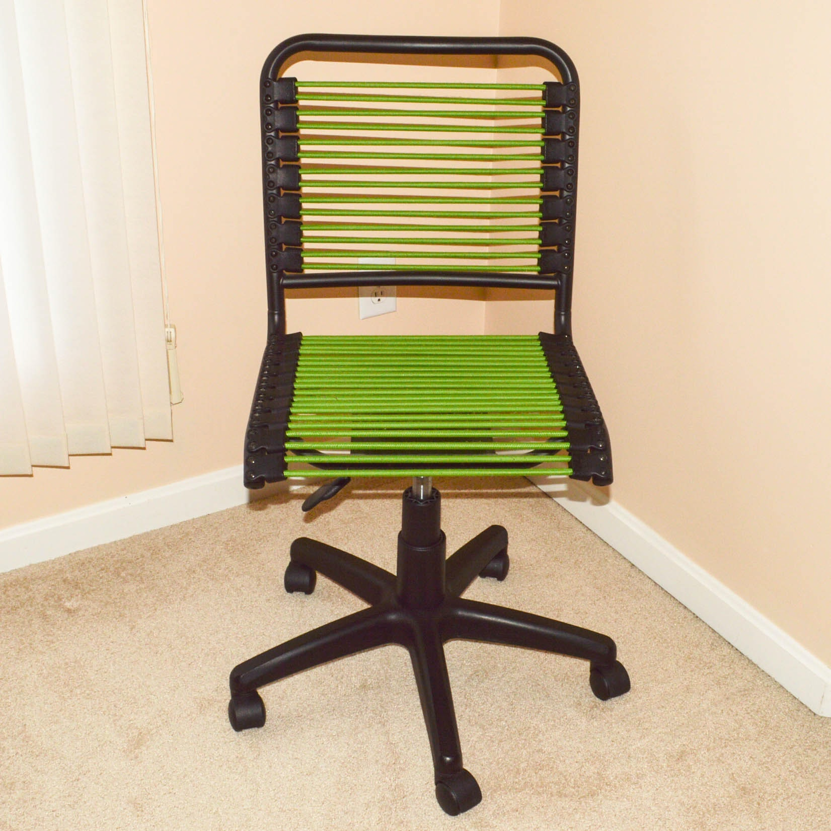 Contemporary Bungee Desk Chair By Euro Style ...