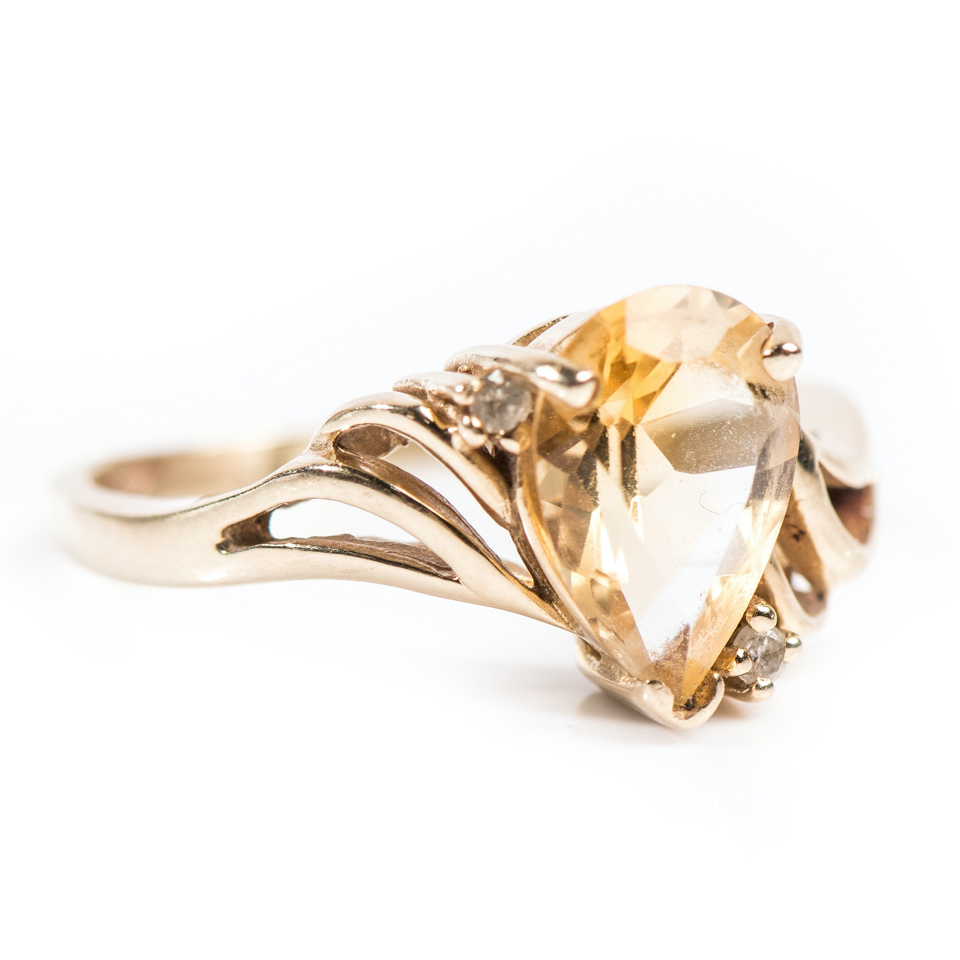 14K Yellow Gold 1.50 Carat Citrine and Diamond Ring