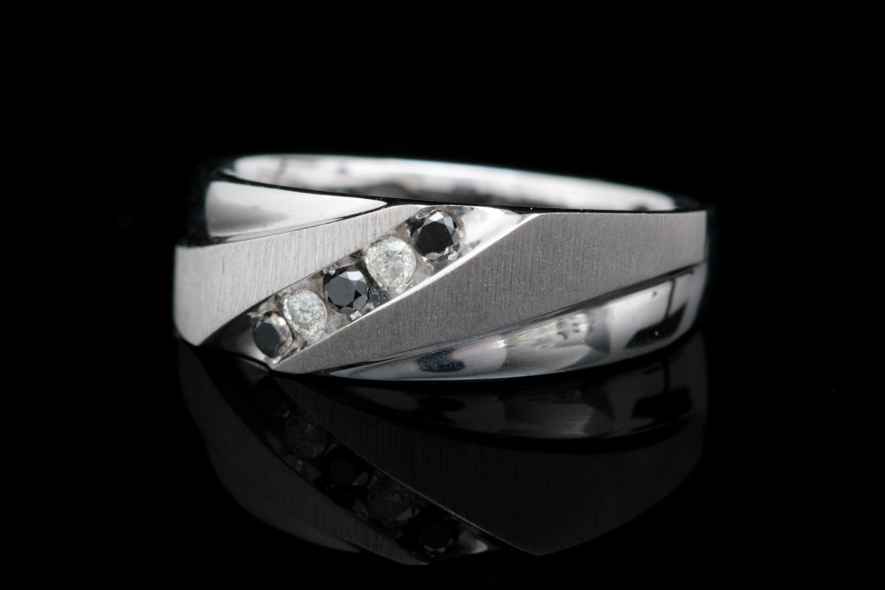 10K White Gold, Black and White Diamond Band