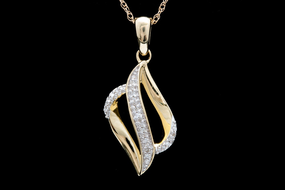10K Yellow Gold and Diamond Pendant with Chain