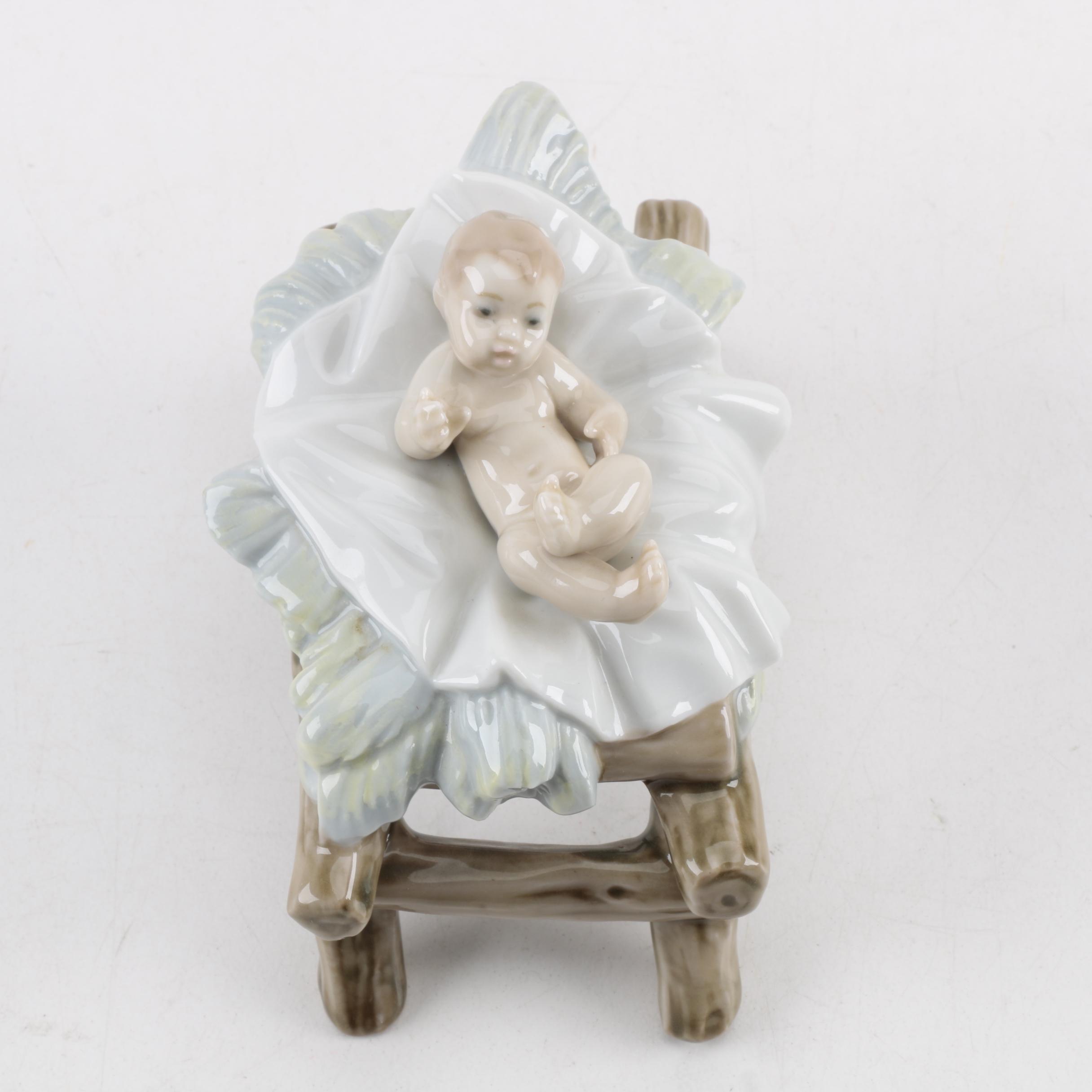 "LLadró ""Baby Jesus"" Porcelain Nativity Figurine"