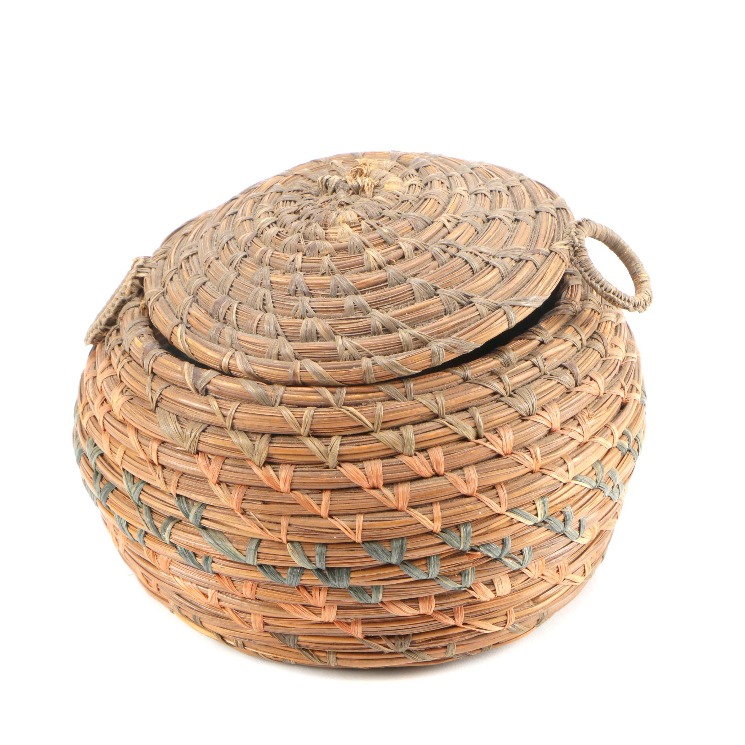 Handmade Sphere-Shaped Pine Needle Coil Basket with Lid