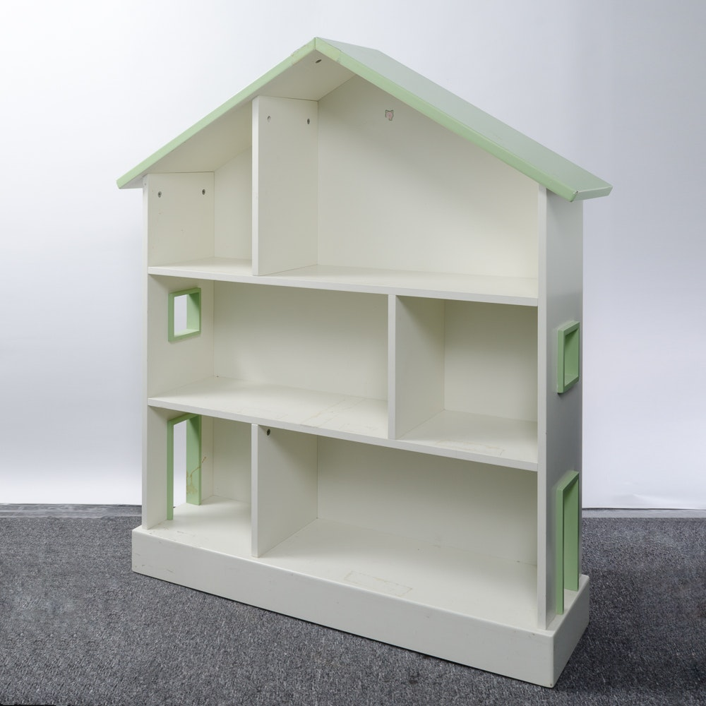 Sectioned Wood Doll House