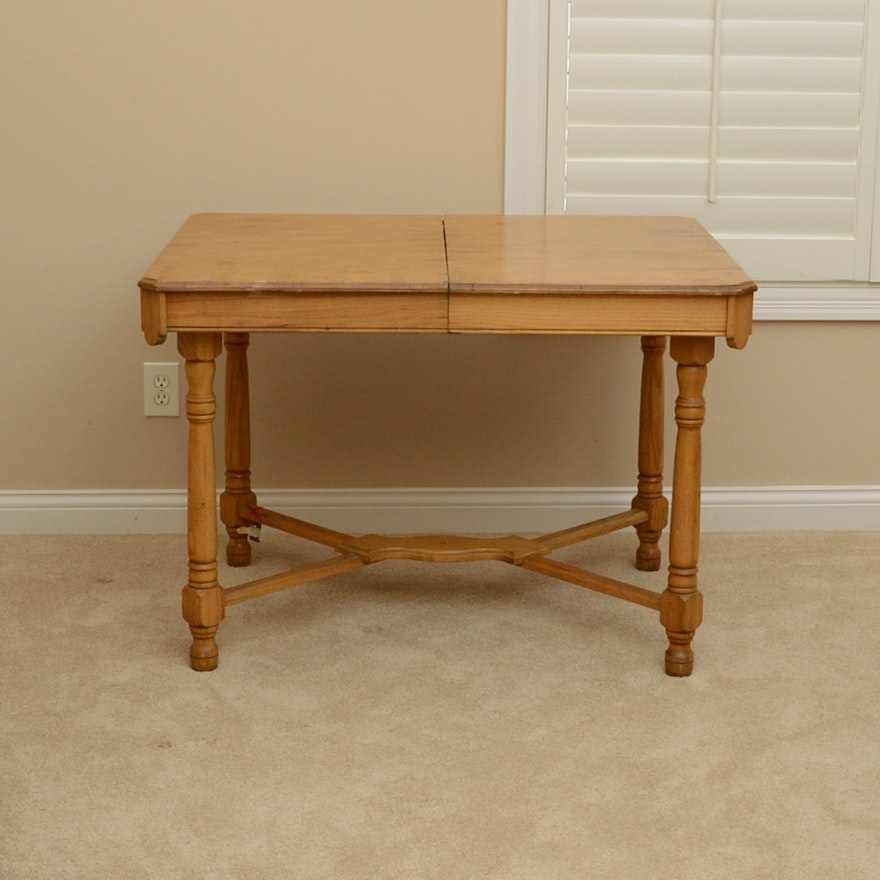 Built In Kitchen Table: Seller's Kitchen Table With Built In Leaf