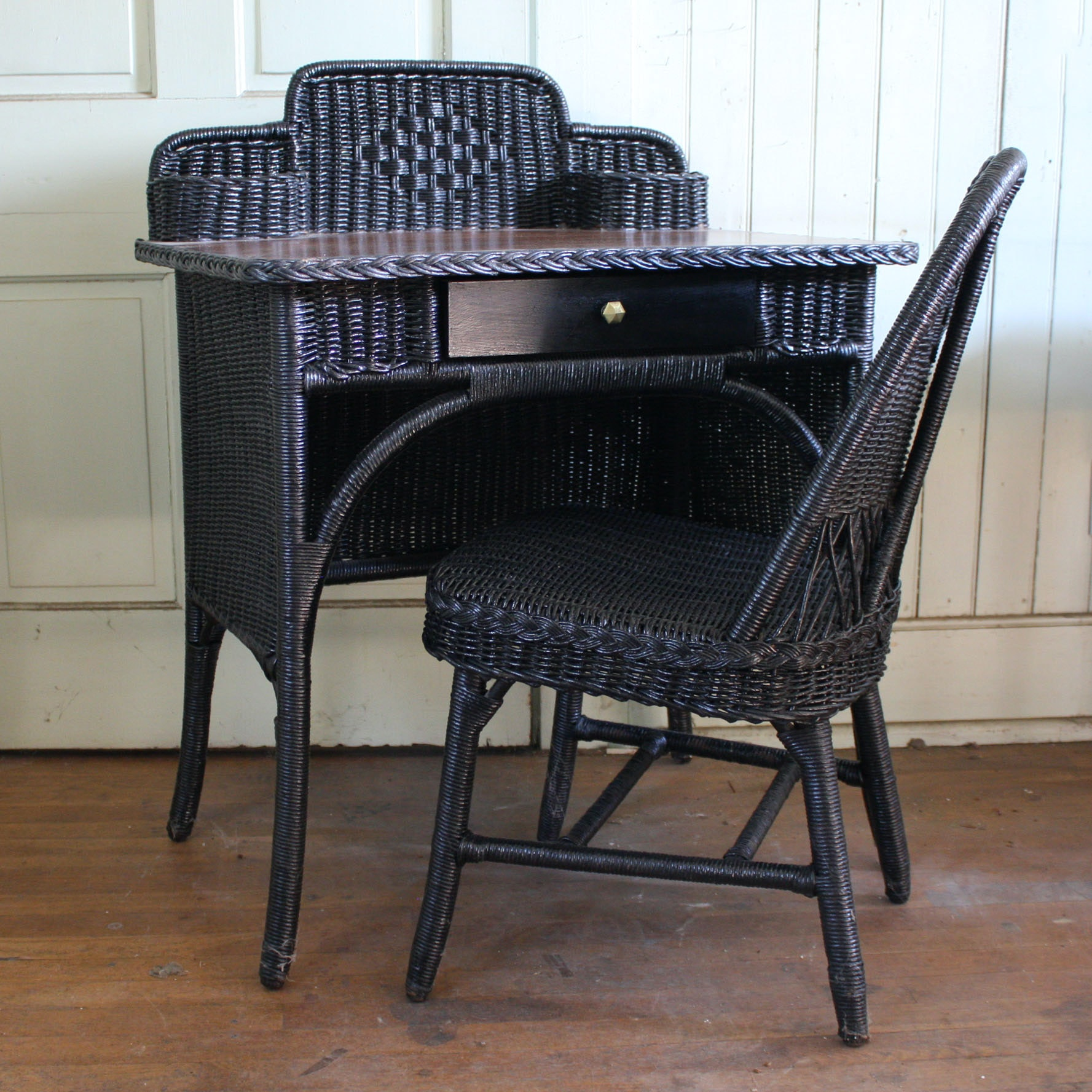 Black Wicker Desk and Chair