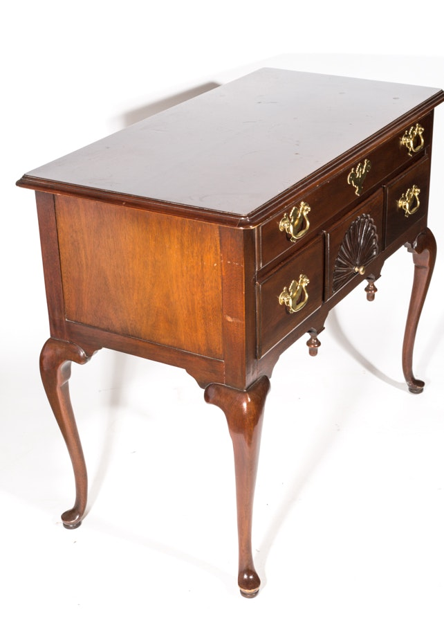 Queen Anne Style Quot Lowboy Quot By Councill Furniture Ebth