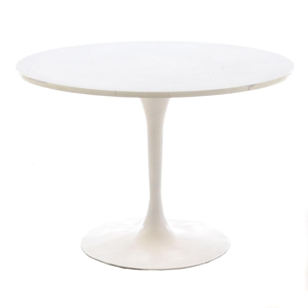 Vintage Mid Century Modern Tulip Dining Table In the Style of Knoll