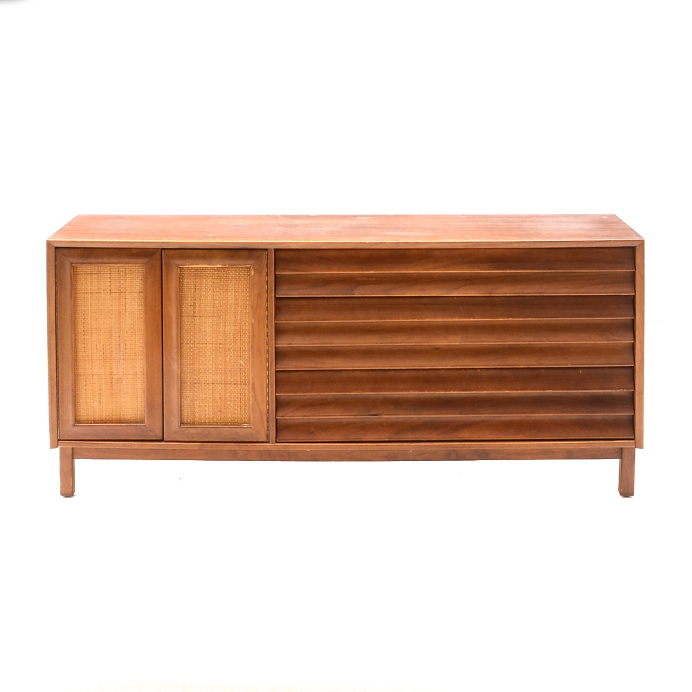 Mid Century Modern Credenza by American of Martinsville