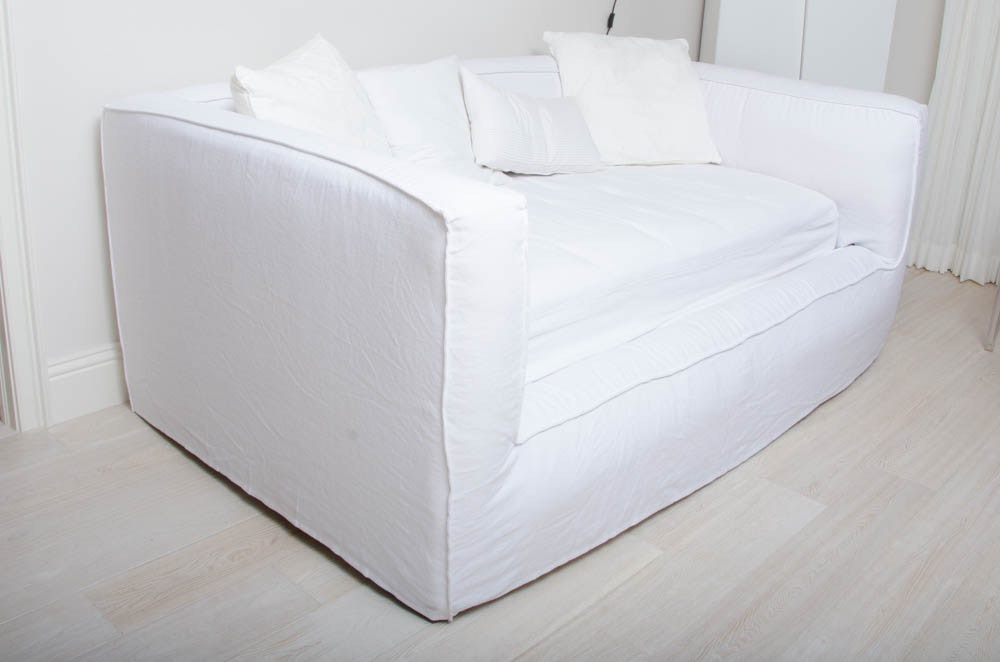 Contemporary White Cloth Upholstered Daybed By Restoration