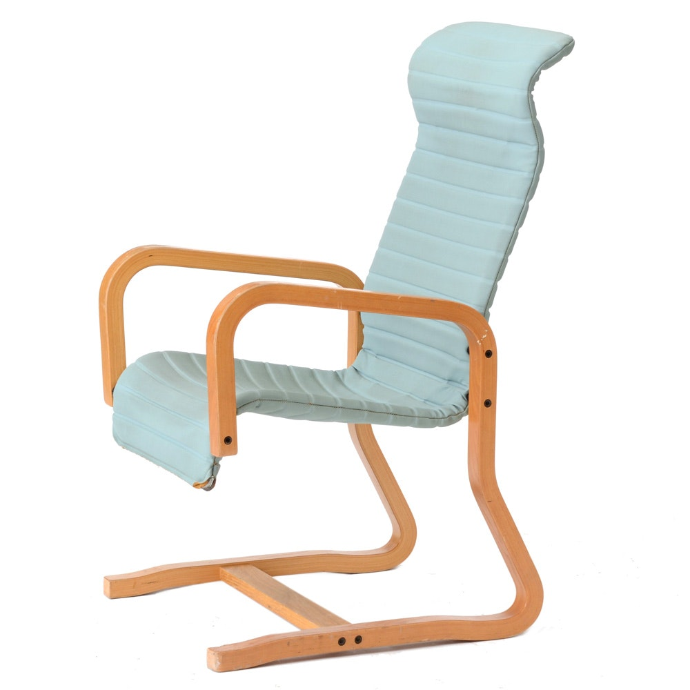 Mid-Century Cantilevered Oak Arm Chair by Thonet
