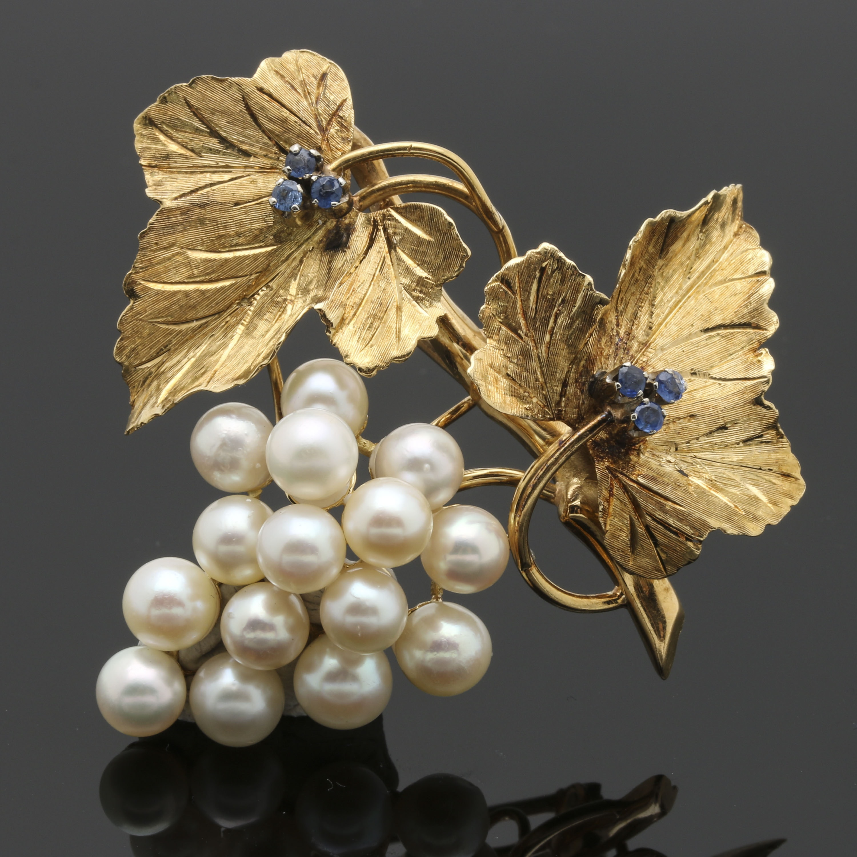 18K Yellow Gold Cultured Pearl and Sapphire Grape Brooch