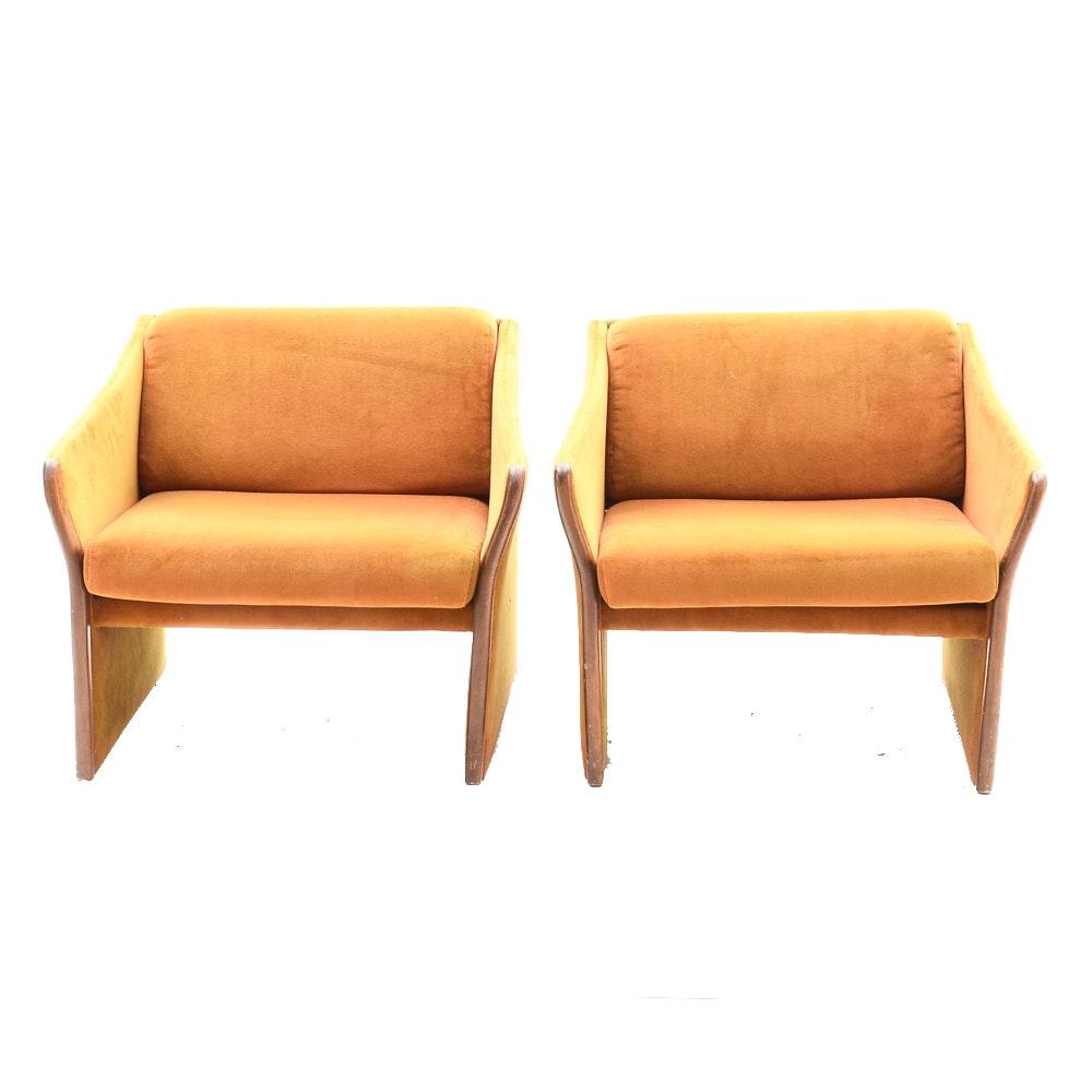 Pair of Vintage Club Chairs by Brayton International