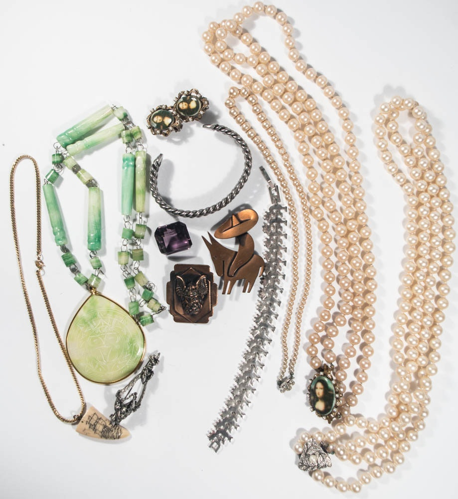 Imitation Pearl Strands & Gems with Costume Assortment