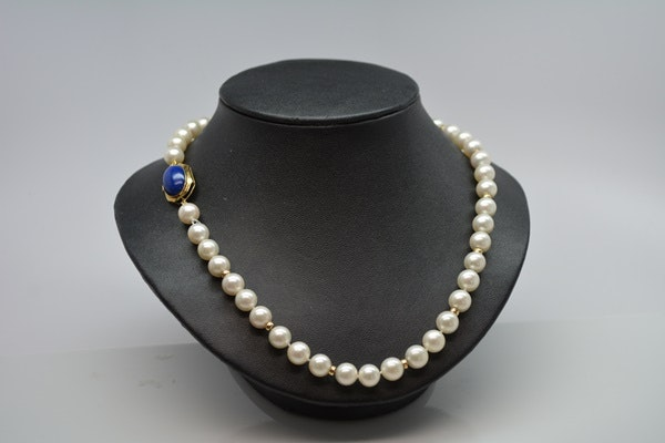 14K Yellow Gold Cultured Pearl Necklace With Lapis Lazuli Closure