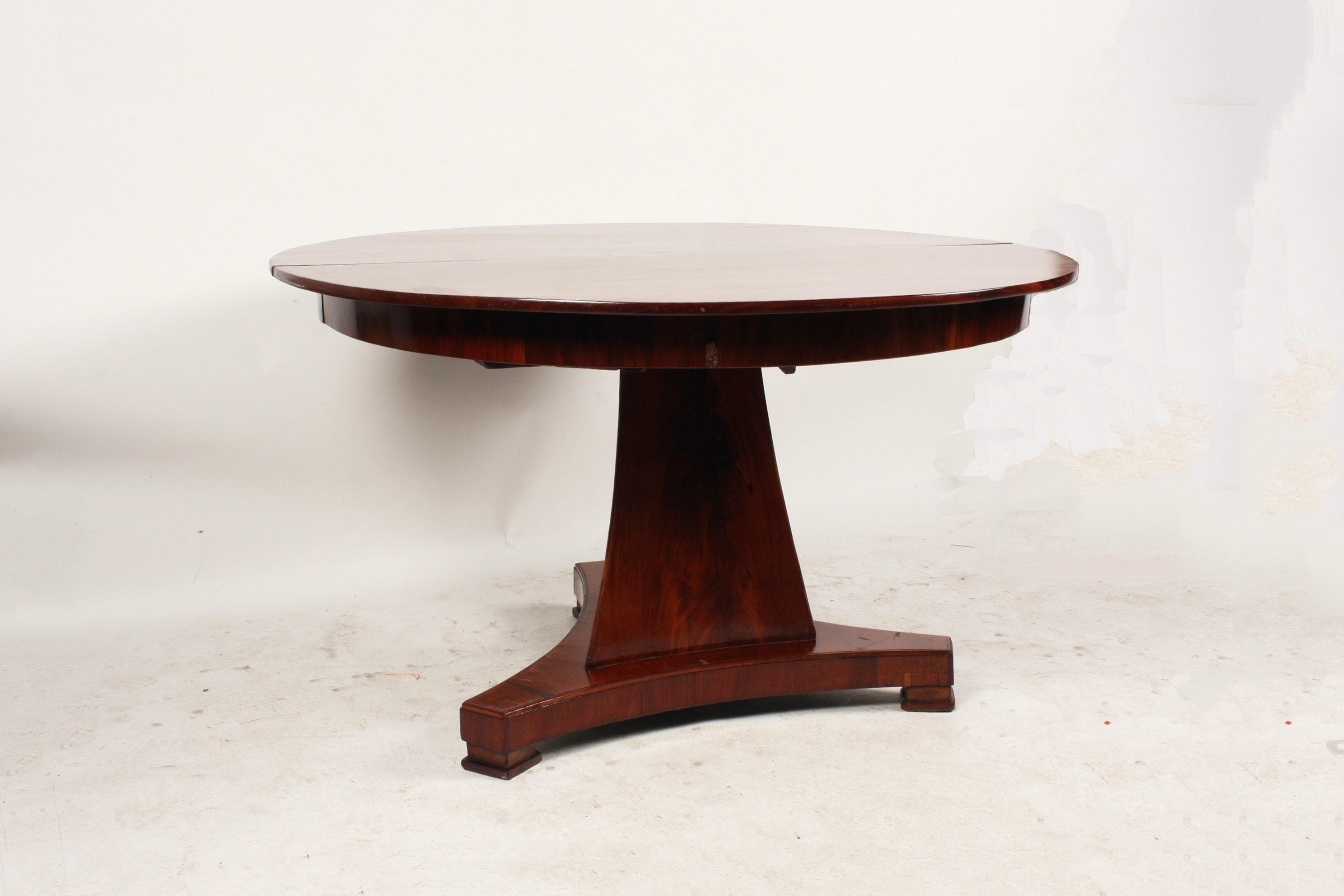 Vintage Regency Style Walnut Round Dining Table