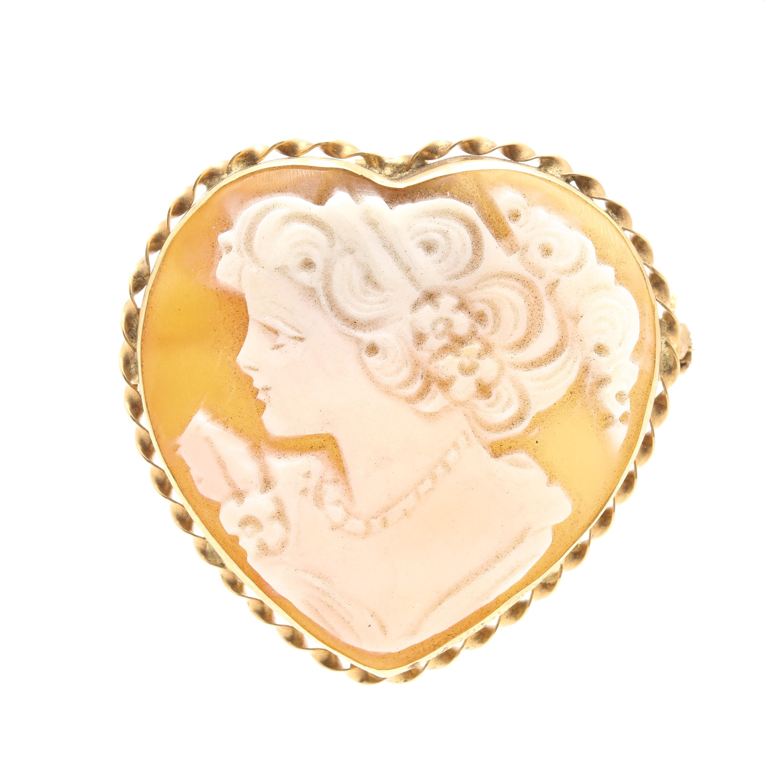 14K Yellow Gold Helmet Shell Heart Cameo Brooch