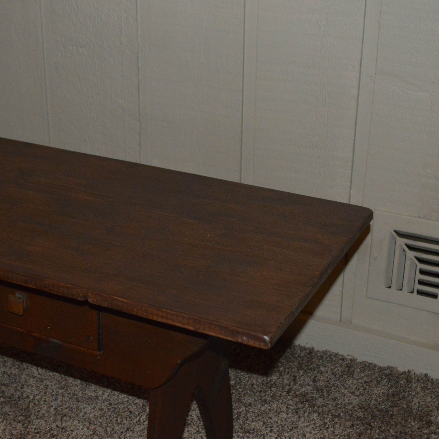 Vintage rustic coffee table ebth for Nfpa 99 table 5 1 11